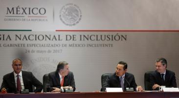 Foto 3 El trabajo de todos a favor de la lucha contra la pobreza, cimiento para una política social de Estado Luis Enrique Miranda Nava