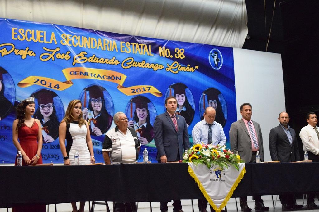 Graduación secundaria Estatal 38 (1)